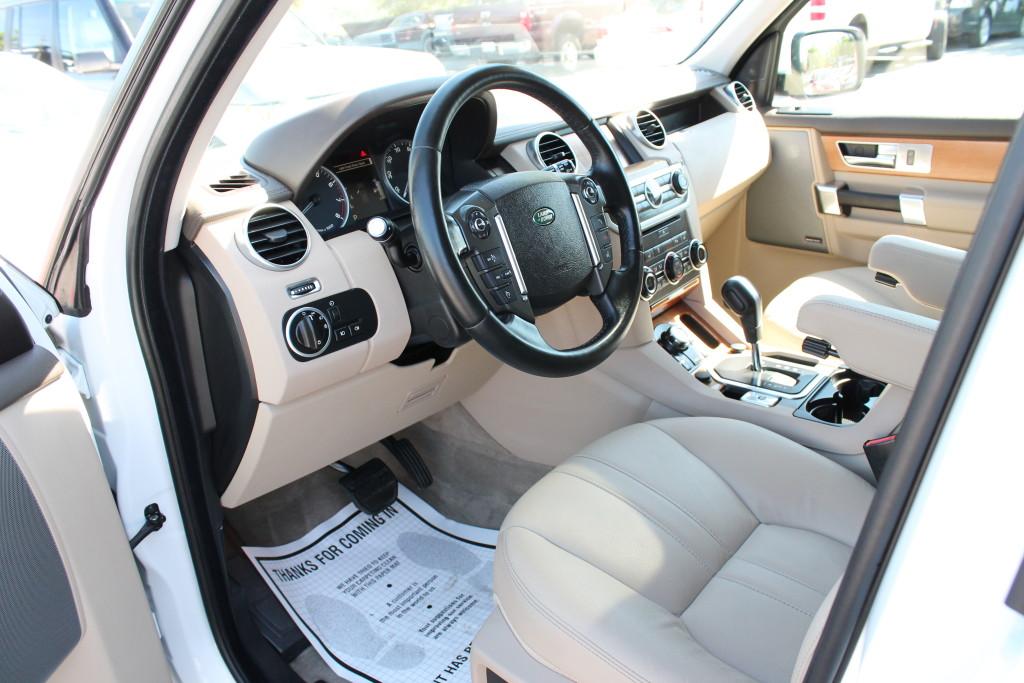Range Rover LR4 Interior